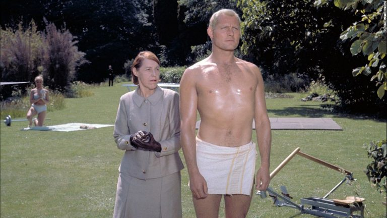 Robert Shaw in the Pinewood Gardens filming Russia With Love